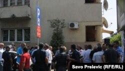 Protest radnika KAP-a ispred zgrade Vlade Crne Gore u Podgorici, 5. oktobar 2011
