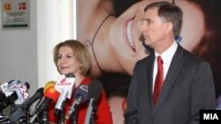 Вицепремиерката за евроинтеграции Теута Арифи се сретна со американскиот амбасадор Пол Волерс.