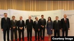 Presidentët e tetë vendeve ballkanike së bashku me presidentin e Francës Francois Hollande në samitin e Bërdos afër Kranjit në Slloveni