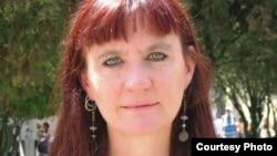 Freedom House ұйымының Қазақстан бойынша баяндама авторы америкалық журналист Джоанна Лиллис Джоанна Лиллис.
