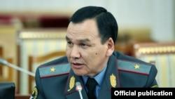 Ички иштер министри Кашкар Жунушалиев.
