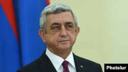 Armenia - President Serzh Sarkisian holds an awards ceremony at the presidential palace in Yerevan, 20Jan2016.