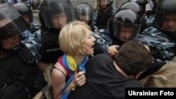 """""""Беркут"""" блякуе мітынгоўцаў, што пратэстуюць супраць законапраекту"""