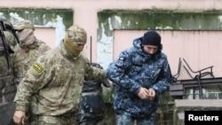 Захоплений український моряк Сергій Цибізов у Криму, 27 листопада 2018 року