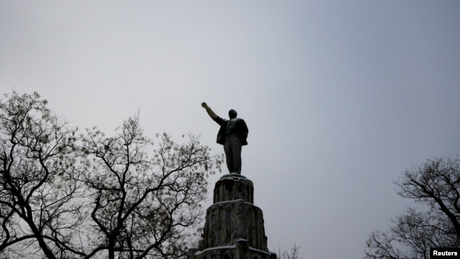 Памятник Ленину в Евпатории, фото 2017 года