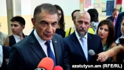 Armenia - Parliament speaker Ara Babloyan speaks to journalists, 1Sept2017.