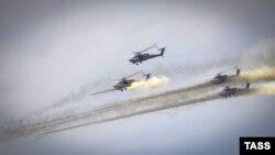 Повітряний бій за участі вертольотів Мі 28Н, архівне фото