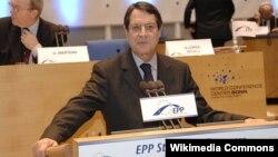 Президент Кіпру Нікос Анастасіадіс стверджує, що без оподаткування депозитів банкрутства не уникнути