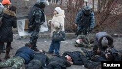 Раненые в столкновениях в центре Киева