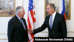 Державний секретар США Рекс Тіллерсон і міністр закордонних справ Росії Сергій Лавров