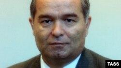 ЎзА эълон қилган табрик матнига Ислом Каримовнинг ўтган аср 90-йиллар бошидаги фотосурати илова қилинган.