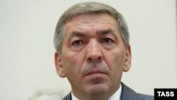 Бывший врио премьера Дагестана Абдусамад Гамидов обвиняется в хищениях бюджетных денег
