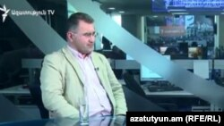 Лидер оппозиционной партии «Наследие» Армен Мартиросян, Ереван, 6 апреля 2018 г.