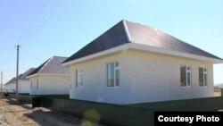 Новые дома в селе Кыржол Сузакского района.