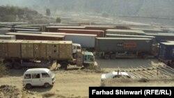 """Пакистандан Ооганстанга өтчү """"Торхам"""" өткөрмө бекети убактылуу жабылды. 28.11.2011"""