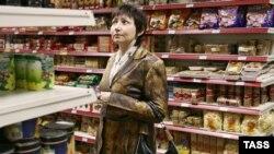Российские покупатели уходят с рынков и ярмарок в магазины