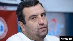 Armenia -- Presidential candidate Vartan Sedrakian at a press conference in Yerevan, 10Jan2013.