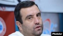 Кандидат-самовыдвиженец на пост президента Армении Вартан Седракян