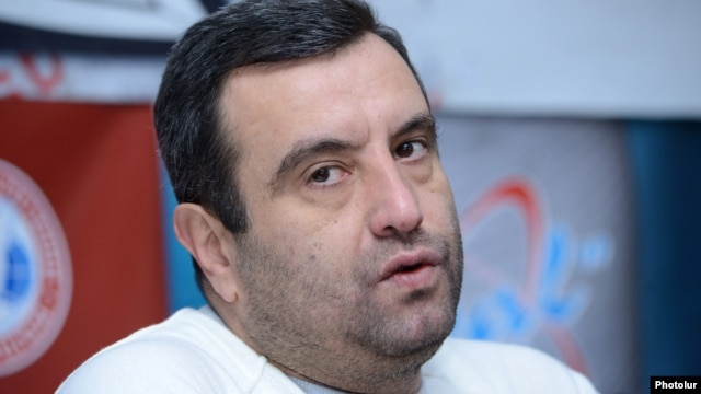Armenia -- Presidential candidate Vartan Sedrakian at a press conference in Yerevan, 10Jan2013.