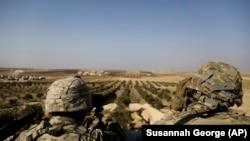 Trupat amerikane duke vëzhguar kufirin në Siri, ilustrim.