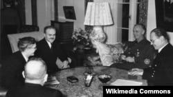 В. Молотов на приеме у И. фон Риббентропа. Берлин, 1940