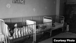 За прошлый год родительской опеки в Литве лишились три тысячи детей, 40% из них – совсем маленькие, до семи лет