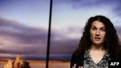Cercetătoarea de la Nasa, Felisa Wolfe-Simon la o conferință de presă la Washington