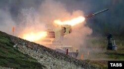 Ռուսական արտադրության ՏՕՍ-1 «Բուրատինո» ծանր հրանետային համալիրը զենքի ցուցահանդեսի ժամանակ, արխիվ