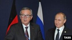 Владимир Путин (справа) и Жан-Клод Юнкер. Архивное фото