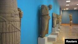 Палмира шаардык музейиндеги байыркы эстеликтердин бир тобу. 18-апрель 2008