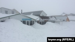 Снег на Ай-Петри, архивное фото