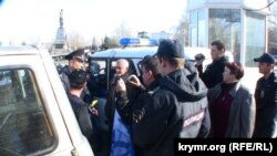 Разгон митинга в Севастополе 15 апреля 2015 года