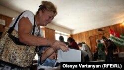 Наибольшую активность избирателей наблюдатели зафиксировали в первой половине дня