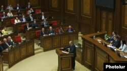 Armenia - Opposition leader Nikol Pashinian speaks during a parliament debate on Armenia's next prime minister, 1 May 2018.