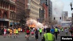 Взрыв на финишной прямой Бостонского марафона. 15 апреля 2013 года.