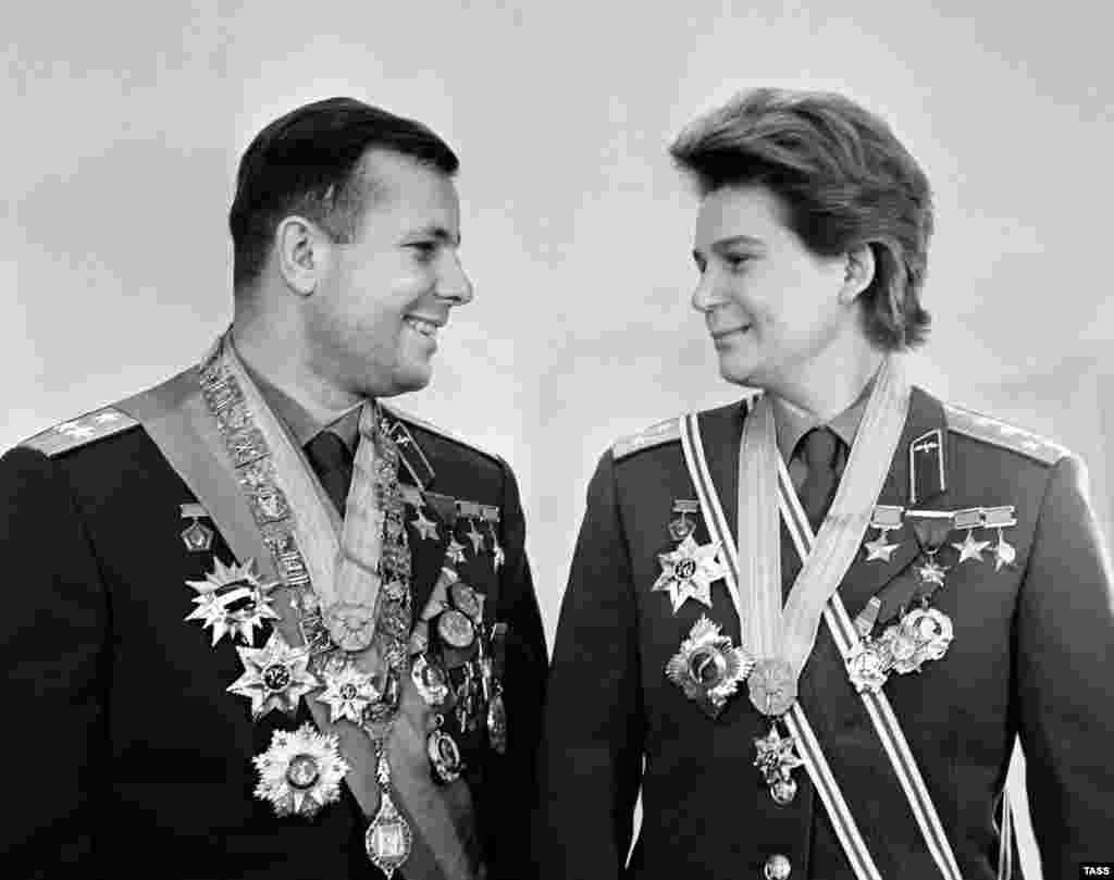 Tereshkova and Yury Gagarin pose with various Soviet honors in 1963.