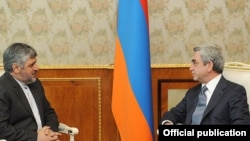 Armenia -- President Serzh Sarkisian (R) meets with Iran's Deputy Foreign Minister Mohammad-Reza Sheibani in Yerevan, 13May2011.