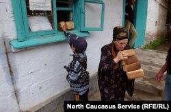 Бесплатный хлеб для уязвимых жителей Грозного. 2002 год