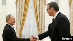Vladimir Putin (L) i Aleksandar Vučić tokom susreta u Moskvi, 26. maja 2016.