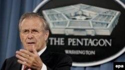 Последний призыв к отставке министра обороны США Дональда Рамсфельда исходит от боевых генералов, ветеранов иракской войны
