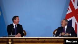 British Prime Minister David Cameron (left) and Kazakh President Nursultan Nazarbaev: Having a laugh over Internet freedoms?