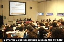 Дебати стосовно референдума на правовому факультеті Амстердамського університету