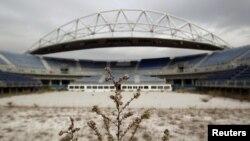 Аңгырап бош турган олимпиадалык стадион, Афины, Греция.
