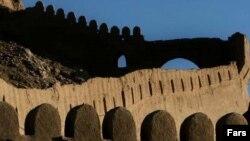 ارگ بم در زلزله سال ۱۳۸۲ به ميزان ۸۰ درصد تخريب شد.