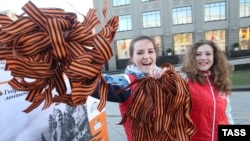 В отличие от России, в Белоруссии официальный праздник Дня Победы проходит без георгиевских ленточек
