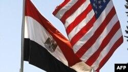 العلمان المصري والاميركي