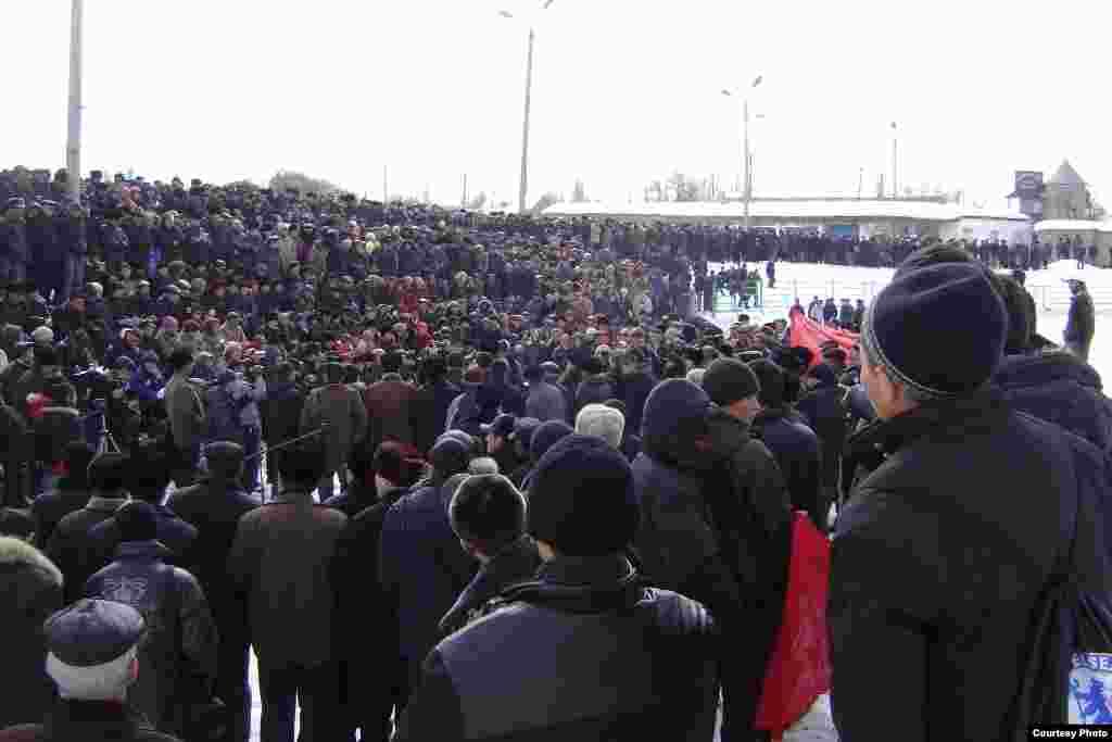 Нарындагы нааразылык митинги, 10-март 2010-жыл