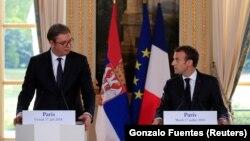 Foto arkiv, presidenti i Serbisë, Aleksandar Vuçiq dhe ai i Francës, Emmanuel Macron