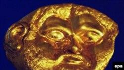 ماسک طلایی کسف شده در بلغارستان