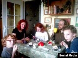 Эла Матвіенка і яе сям'я